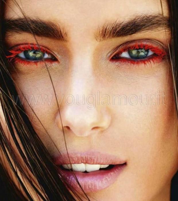 Make-Up: Mascara Colorato per un Trucco estivo